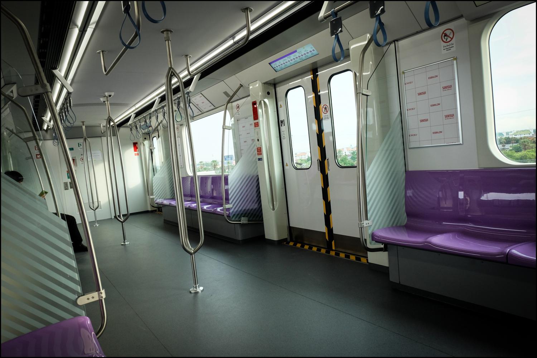 รถไฟฟ้าสายสีม่วง